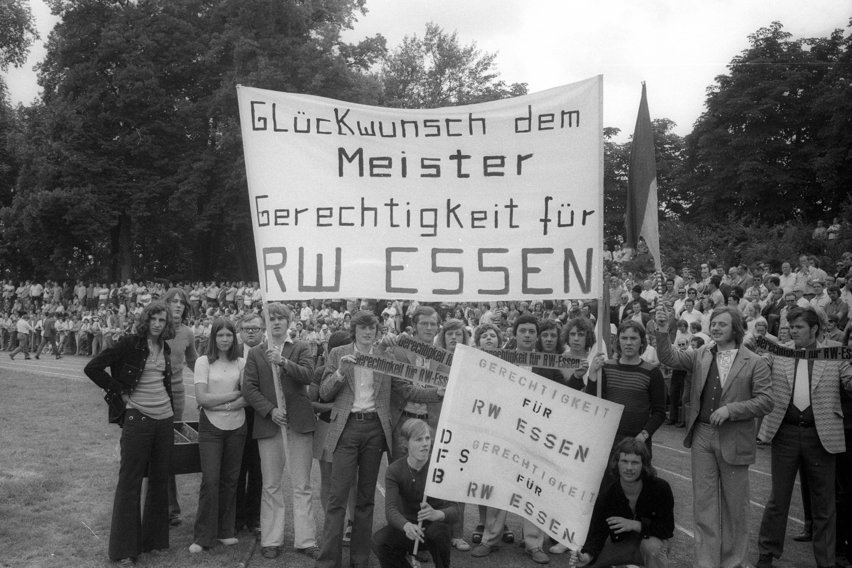Finale Deutsche Amateurmeisterschaft 1972 in Neuwied zwischen TSV Marl H¸ls und FSV Frankfurt am Ra
